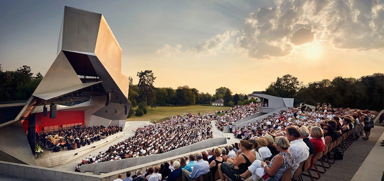 The contribution made by the American Friends is essential for the further development of the Grafenegg Festival. Thanks to this contribution, a number of important projects can be implemented.