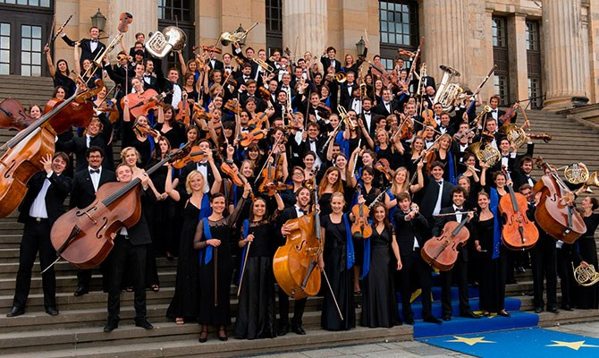 EUROPEAN UNION YOUTH ORCHESTRA © Peter Adamik