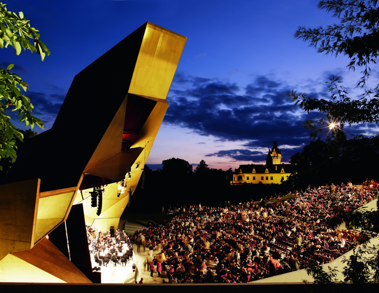 Klang trifft Kulisse: Das Grafenegg Festival zählt zu den bedeutendsten Orchesterfestivals Europas. Natur und Architektur verschmelzen zum Gesamtkunstwerk.