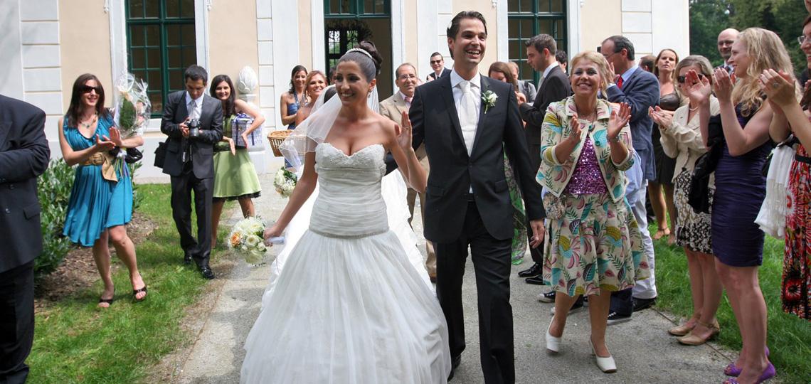 Hochzeitsfest im Gartenpavillon