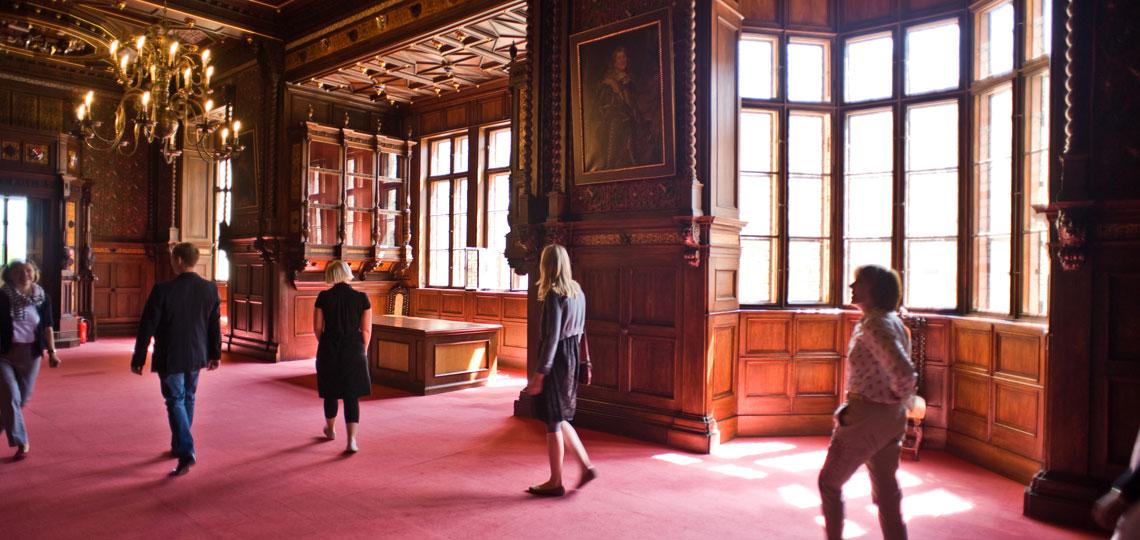 In Grafenegg verbinden sich Tradition, Natur und Moderne in einzigartiger Spannung. Von der historischen Beletage im Schloss bis zu modernsten Seminarräumen - oder darf es ein eleganter Konzertsaal sein?
