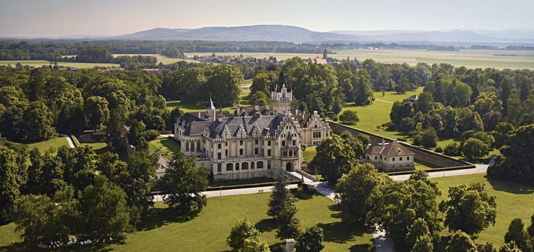 Schloss Grafenegg gilt als bedeutendstes Beispiel der Baukunst des romantischen Historismus. Heute ist es ein lebendiger Raum für die Gegenwart.