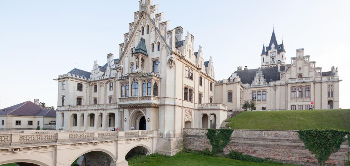 Schloss Grafenegg gilt als bedeutendstes Beispiel romantischer Baukunst in Österreich. Dank modernster Adaptierungen ist es zum lebendigen Raum für die Gegenwart geworden. © Klaus Fritsch