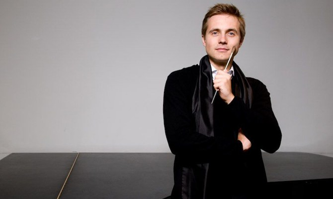 Vasily Petrenko · conductor © Mark McNulty