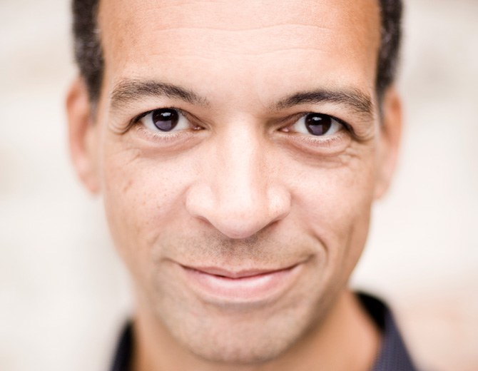 Roderick Williams • baritone © Benjamin Ealovega